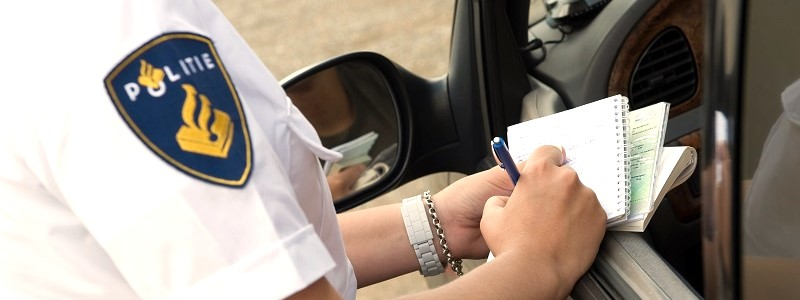 automobilist-die-waarschuwingsbrief-voor-onverzekerde-auto-heeft-ontvangen