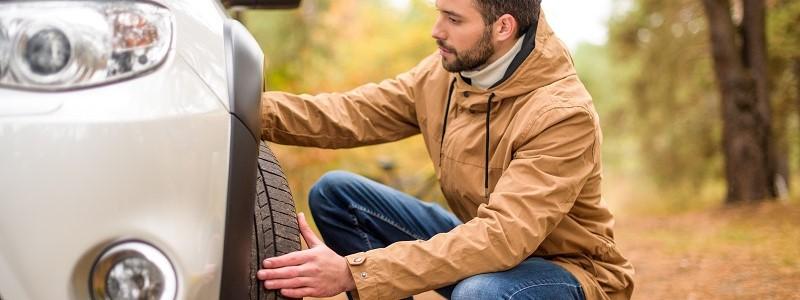 Schade door klapband: keert de autoverzekering klapbandschade uit?