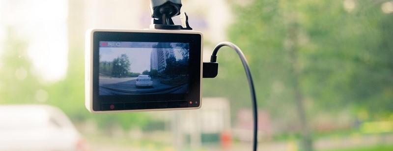 Autorijden met dashcam: áltijd getuige + bewijs in auto!