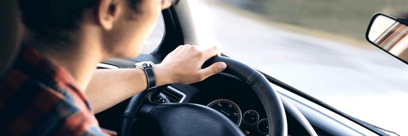 Vrouwen rijden net zo vaak schade als mannen