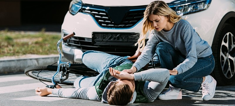 IJzingwekkende autoschades: blikschade versus letselschade