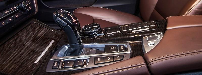 Onderverzekering & oververzekering van jouw auto: 3 voorbeelden!